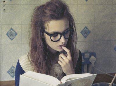 book-girl-glasses-hipster-Favim.com-493183