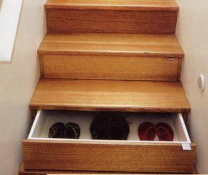 30-Worlds-Strangest-Inventions-stairs-drawer
