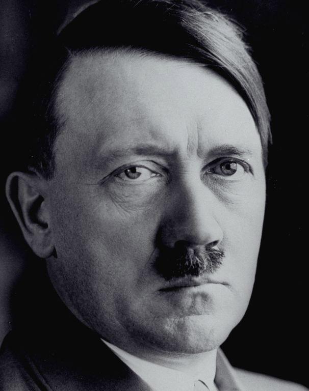 Adolph Hitler - tipi di baffi a spazzolino