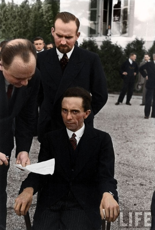 Colorized-Historical-Photos-08