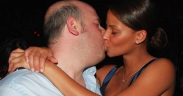 Motivi per cui le fighe si fidanzando con i cessi