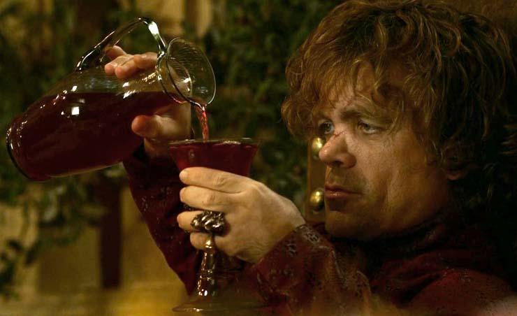 ragazzo che beve