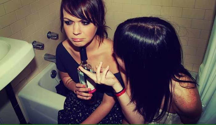 dialoghi tra amiche ubriache