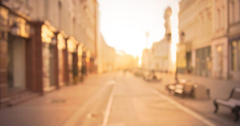 città deserta in agosto